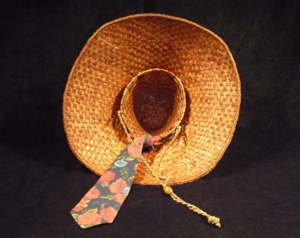 Cedar Hat, inside